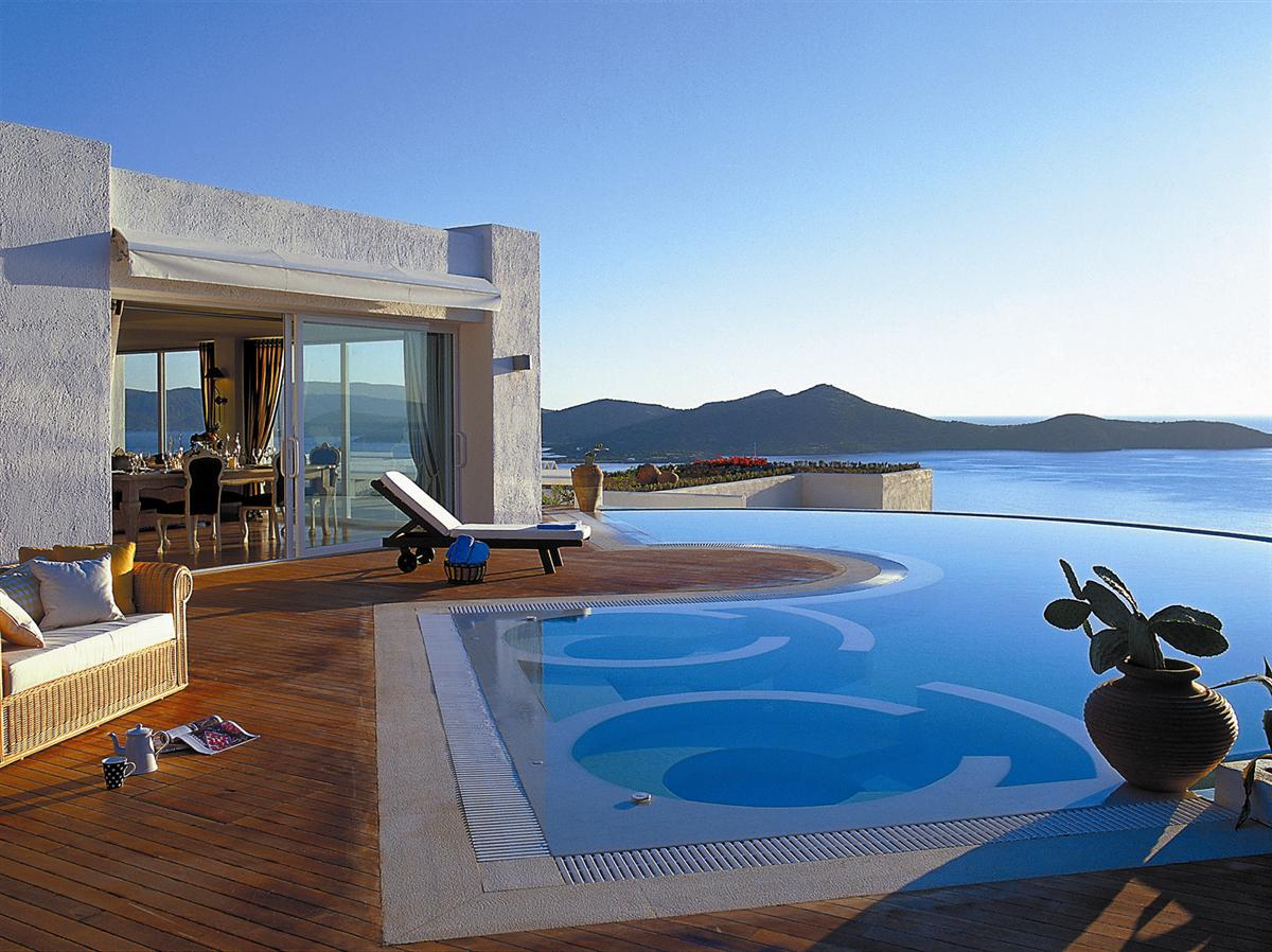 Luxury life design elounda gulf greece for Great hotels of the world