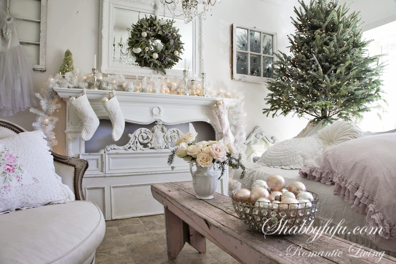 Elegant Pink Christmas Decorating Ideas For A Holiday Mantel Come Easy.  Fresh Greens, Simple Touchesu2026edit, Edit And Nothing Over The Top.