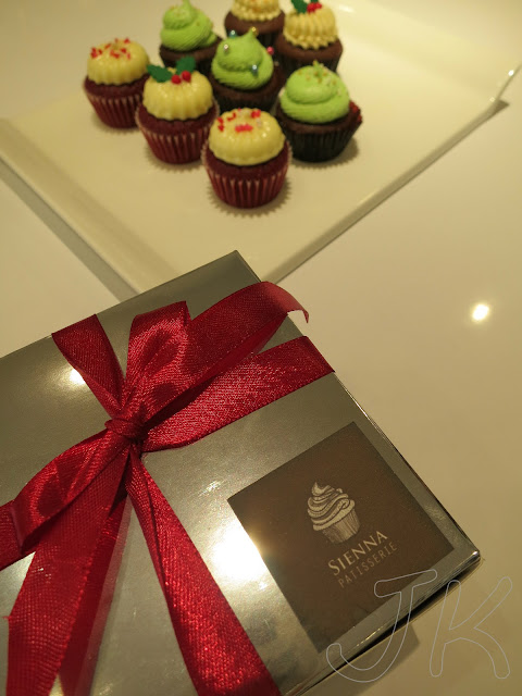 Baby Gift Johor : Christmas cupcakes at sienna patisserie cake
