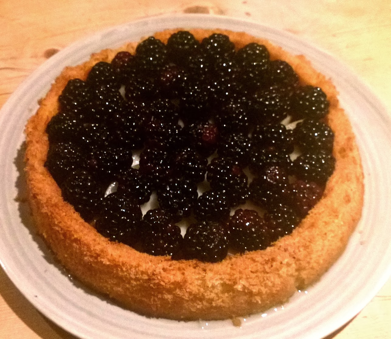 Charlie makes cakes pear and blackberry sponge flan with for Blackberry pear jam