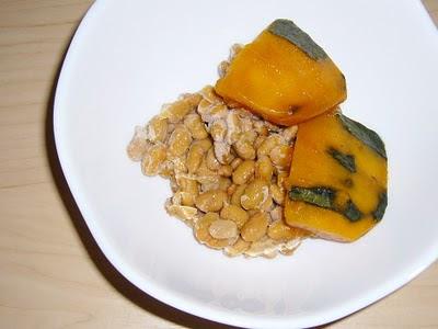 納豆にかぼちゃの煮つけ