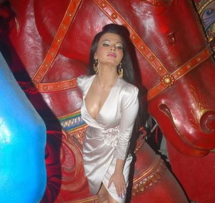 Rakhi Sawant Hot Pics Photos Gallery