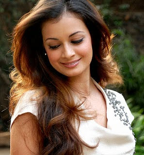 Dia Mirza hot Indian actress