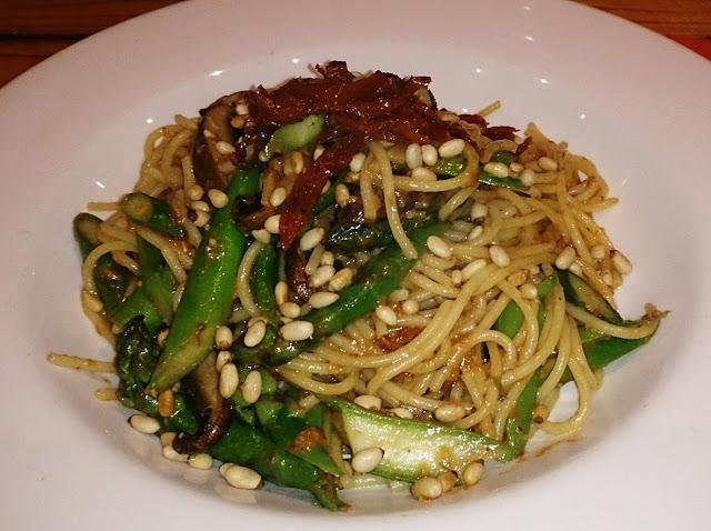Shakahari, Carlton, Vegetarian, vegan, bi-aglut, spaghetti
