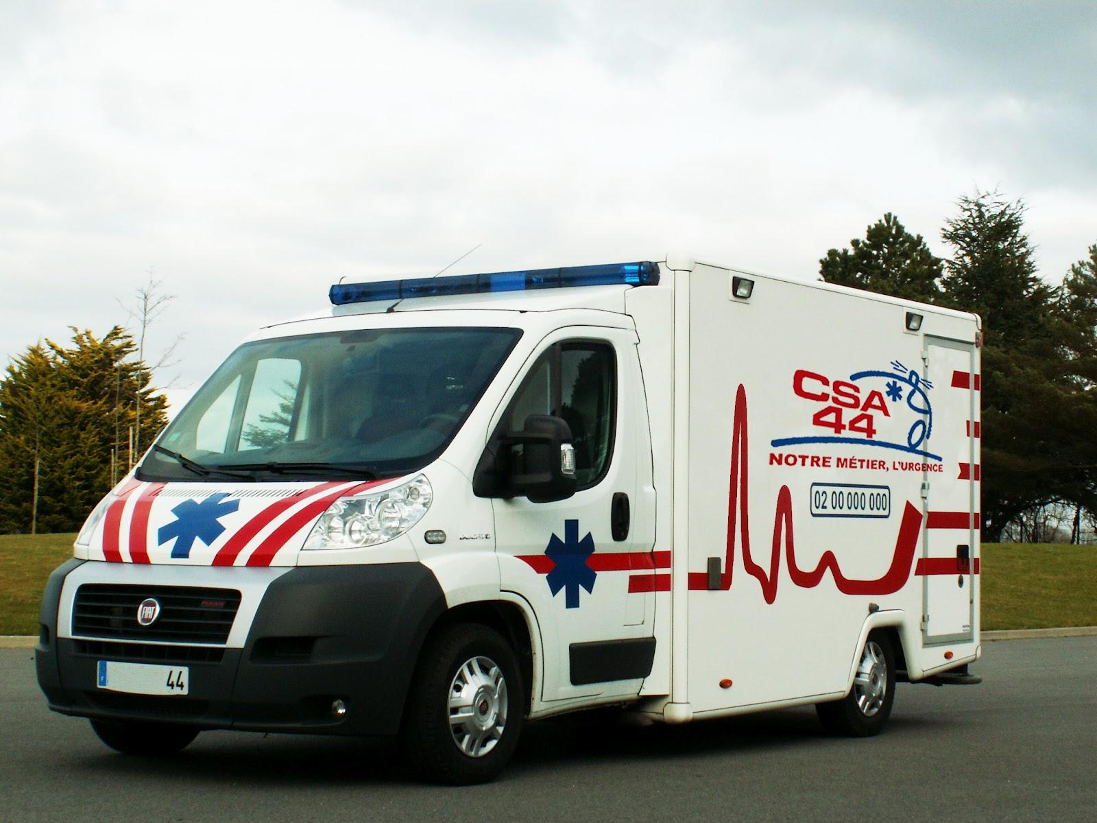 voiture communicante le gps au secours des ambulances en loire atlantique. Black Bedroom Furniture Sets. Home Design Ideas