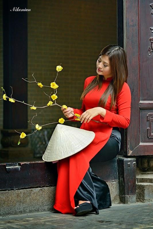 Hotgirl Châu Dương đi lễ chùa đầu năm 7