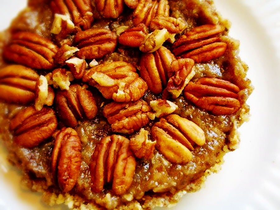Raw on $10 a Day (or Less!): Pecan Pie ~ a Raw and Vegan Dessert ...