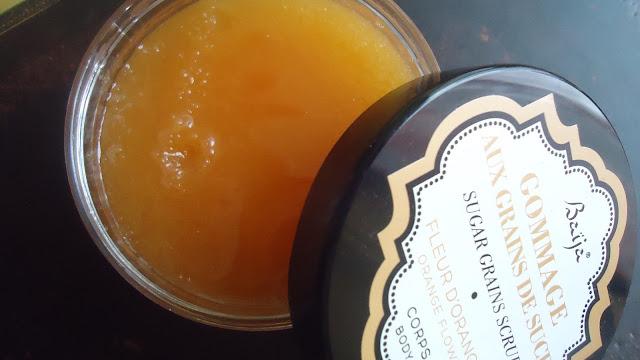 gommage aux grains de sucre à la fleur d'orange Baija.