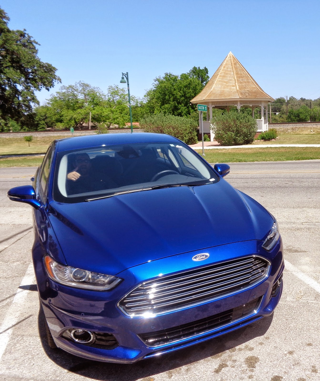 Watches, Whips And Wardrobe: Review: The 2014 Ford Fusion