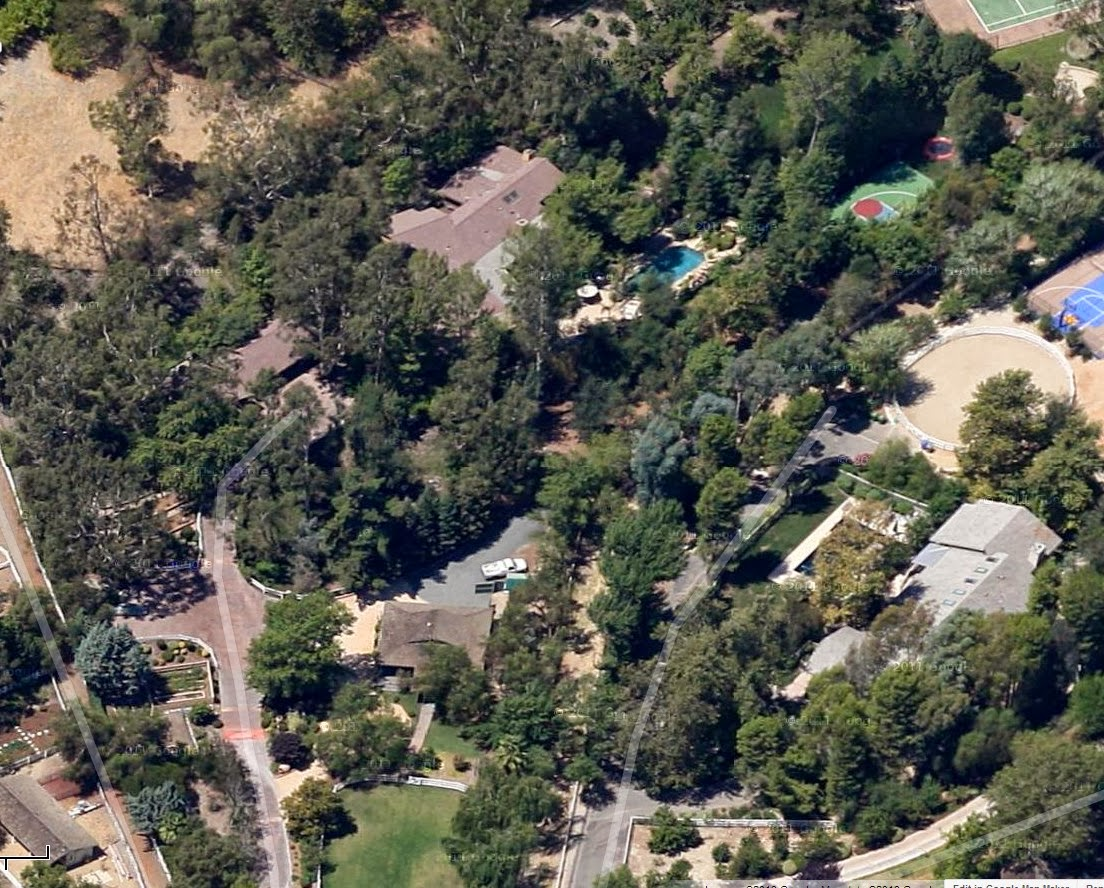 The Oaks Calabasas and the Celebs Who Call It Home