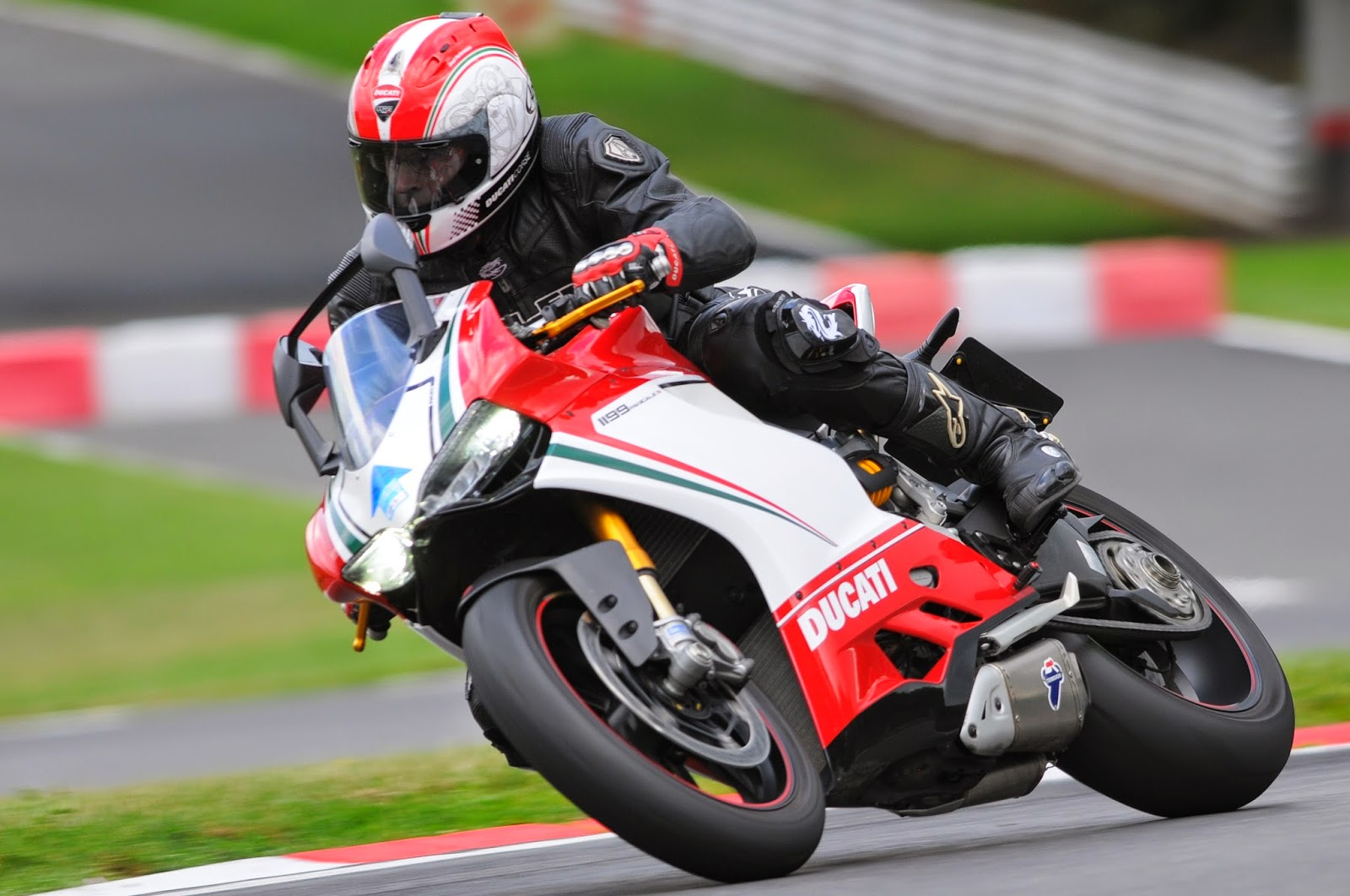 Ducati Panigale 1199 At Brands Hatch
