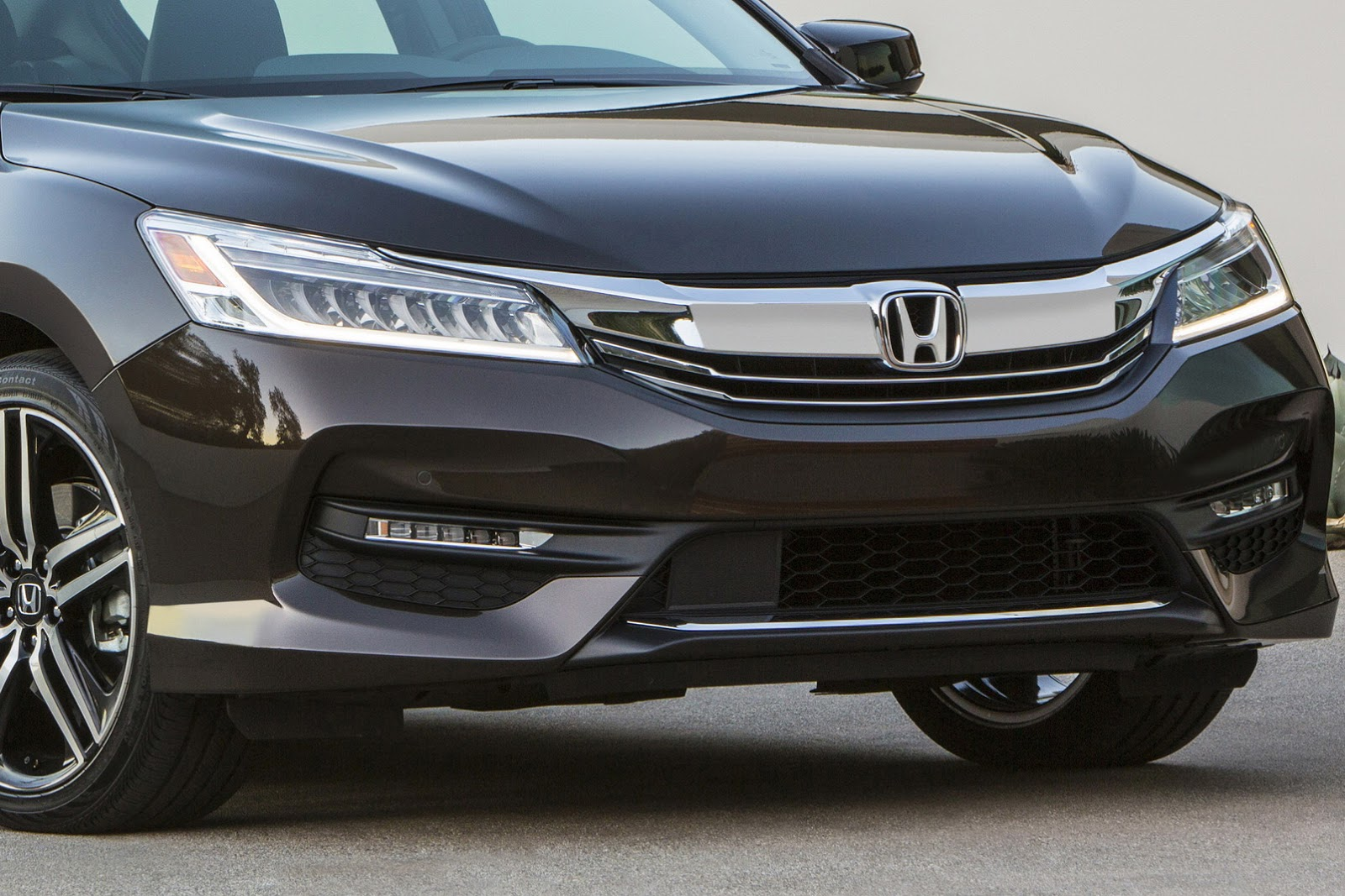 Honda Debuts 2016 Accord Facelift, We Visually Compare It With The 2015MY | Carscoops