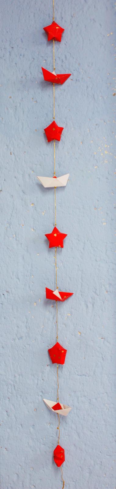 Pintalalluna adornos navide os guirnalda de origami for Adornos navidenos origami paso a paso