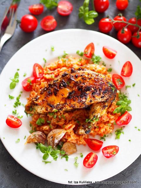 kurczak pieczony , kurczę pieczone , zioła toskańskie , w ziołach , z ziołami , drób , kurczaczek z ryżem , ryż , obiad z piekarnika , mięso , pomidory , kuchnia domowa , najlepsze potrawy , domowe jedzenie ,