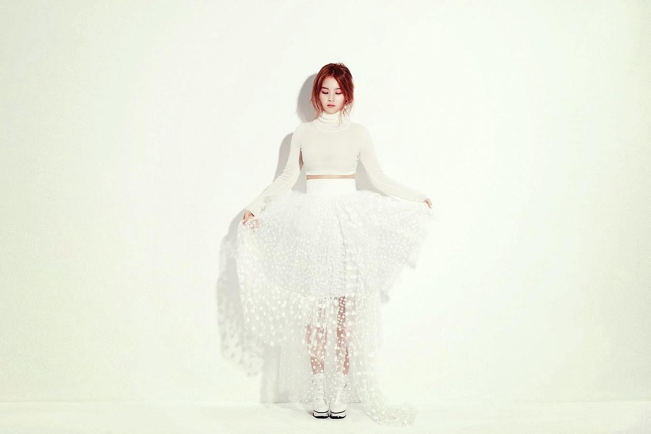 Lee Hi - Beauty in White
