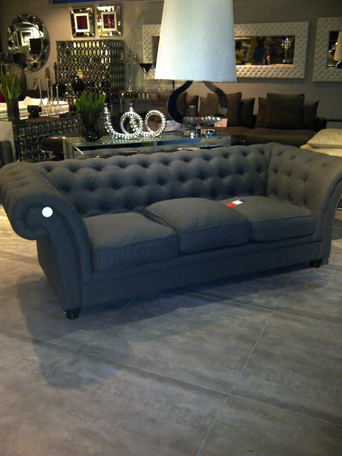 Ysid tapizado capiton for Mueble tipo divan