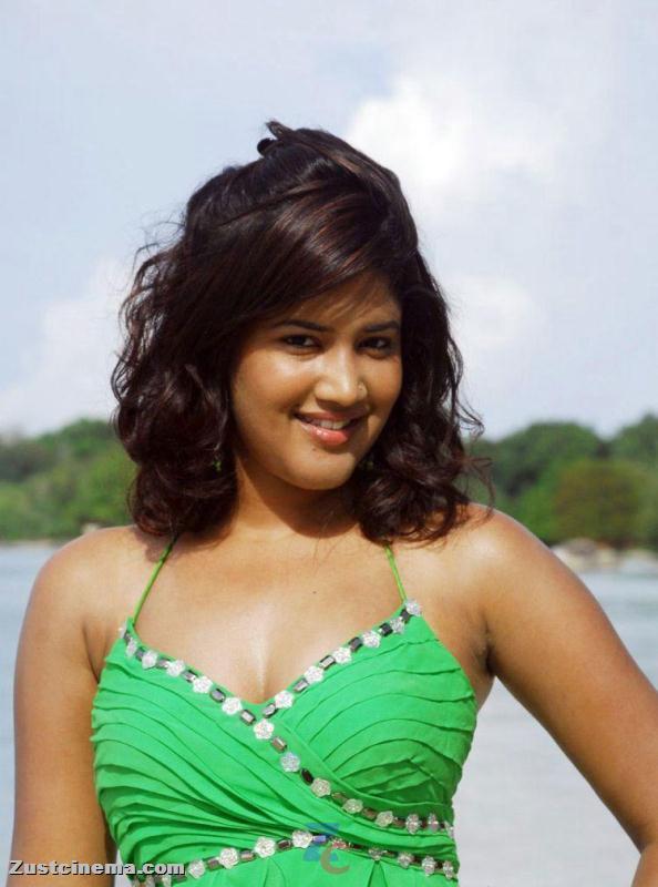ALL HUNGAMA: Actress Sowmya Hot Photo Stills in Mugguru