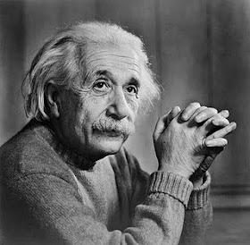 Gambar Albert Einstein - http://baby-jihan.blogspot.com