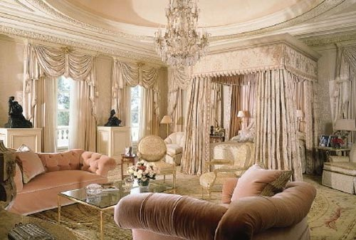 Top most elegant beds and bedrooms in the world cream and for Most elegant houses