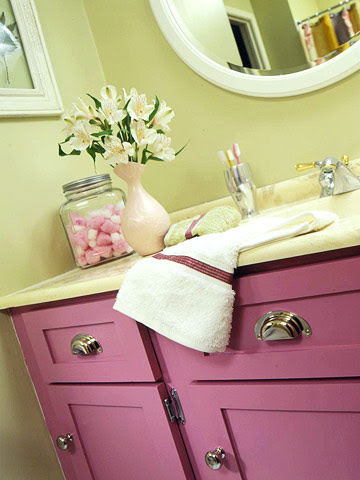 Modern furniture 2012 ideas for tween bathroom decorating - Teenage bathroom decorating ideas ...