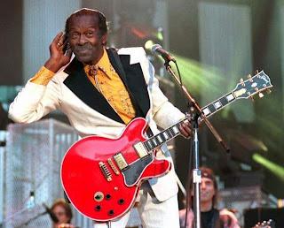 Chuck Berry anuncia fim da carreira
