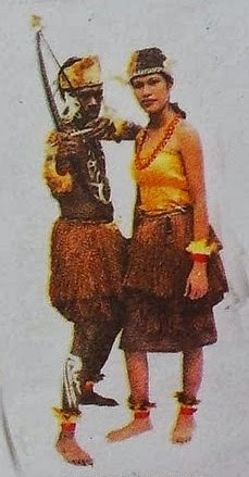 Budaya Papua Barat - THE COLOUR OF INDONESIA