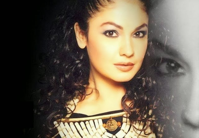 Pooja+Bhatt+Hd+Wallpapers+Free+Download013