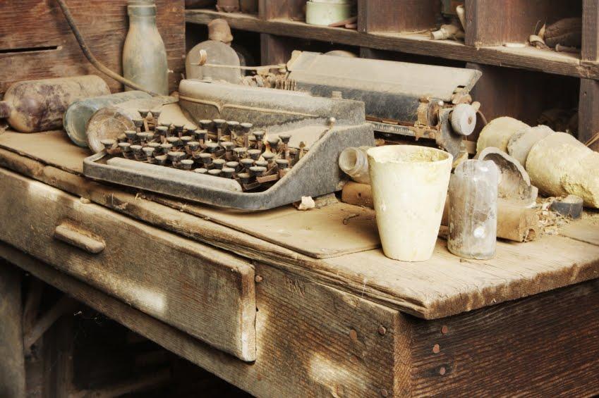 [Obrazek: dusty-desk.jpg]