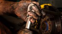 pekerja pengeboran minyak
