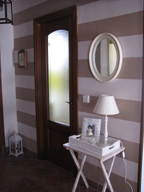 Hogar diez decorar pasillos estrechos - Decoracion de paredes de pasillos ...