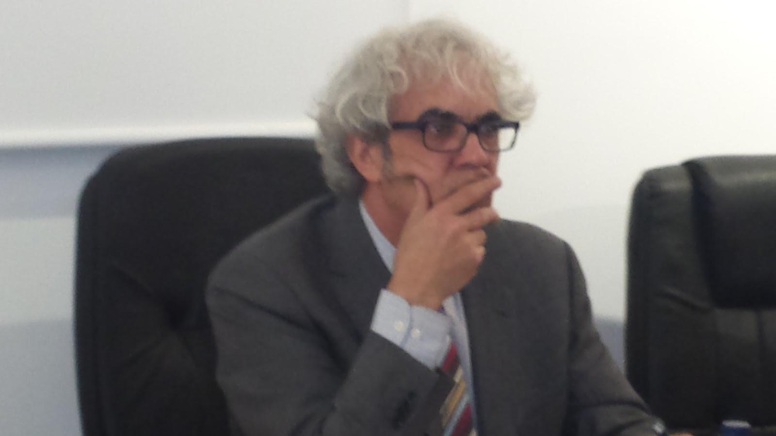 Jose antonio Sanchez Paso durante la conferencia sobre Frances de Zúñiga