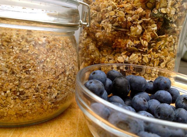 Den lækreste morgenmüsli, fintblendet eller grofthakket med friske blåbær