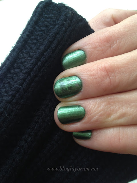 CHINA GLAZE MAGNETIX 1162 CON-FUSED YEŞİL OJE 6