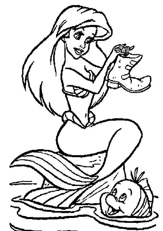 Desenhos Preto e Branco Princesa Ariel No Fundo Do Mar Colorir