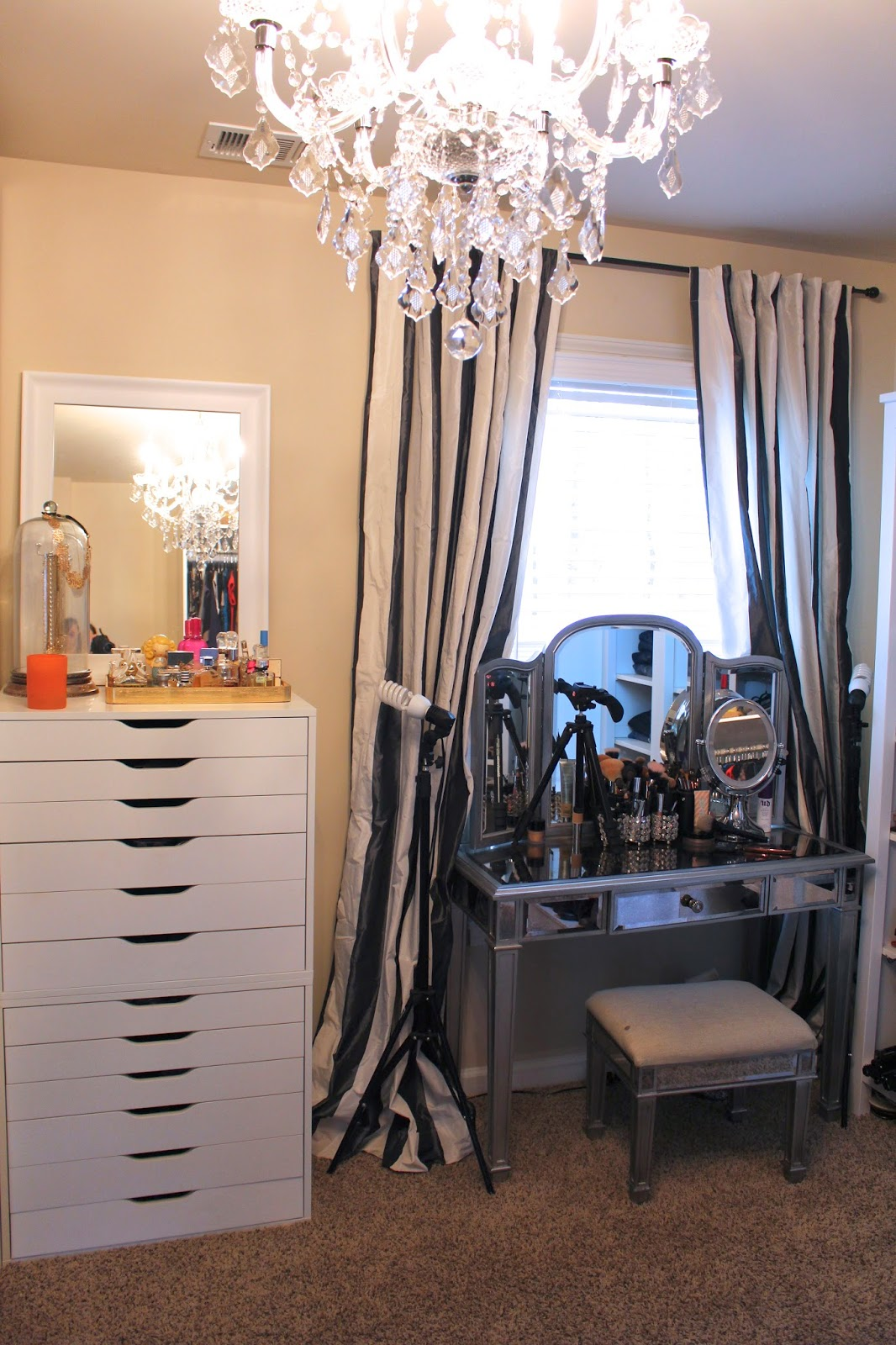 Tiffanyd updated closet and makeup filming area tour for Makeup by tiffany d dining room