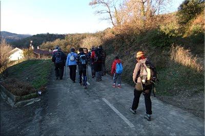Iniciamos el recorrido desde los Caseríos de Eskibel