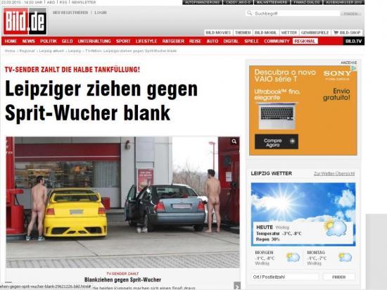 Alemães enfrentam frio e abastecem carros nus para aproveitar promoção
