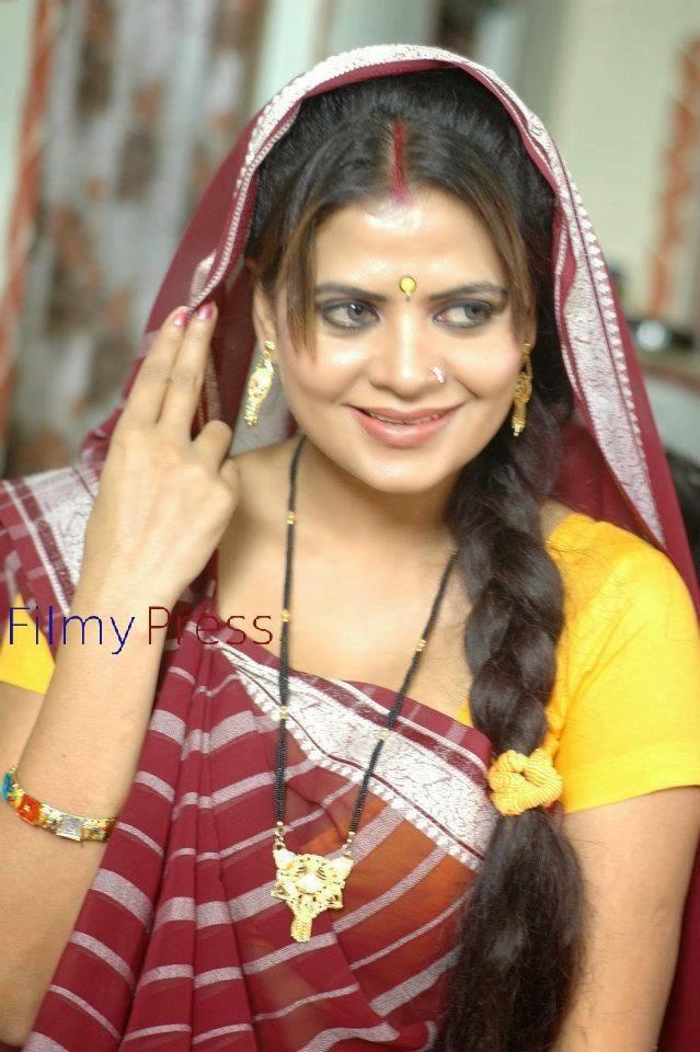 Sapna Sappu In Saree