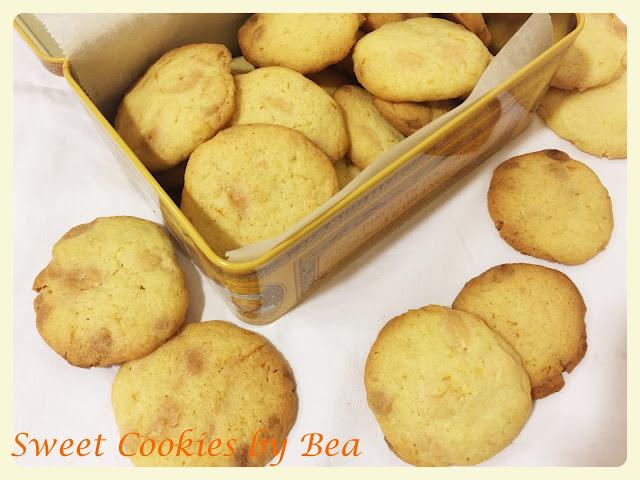 Cookies de naranja y chips de chocolate blanco