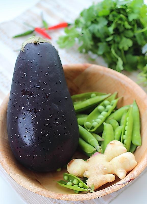 Akshayapaatram: Baingan ka Bartha - Smoky & Spicy Eggplant Mash