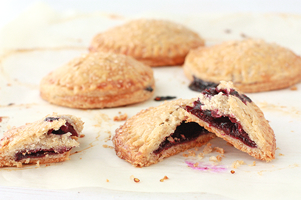 blueberry hand pies | kitchen heals soul