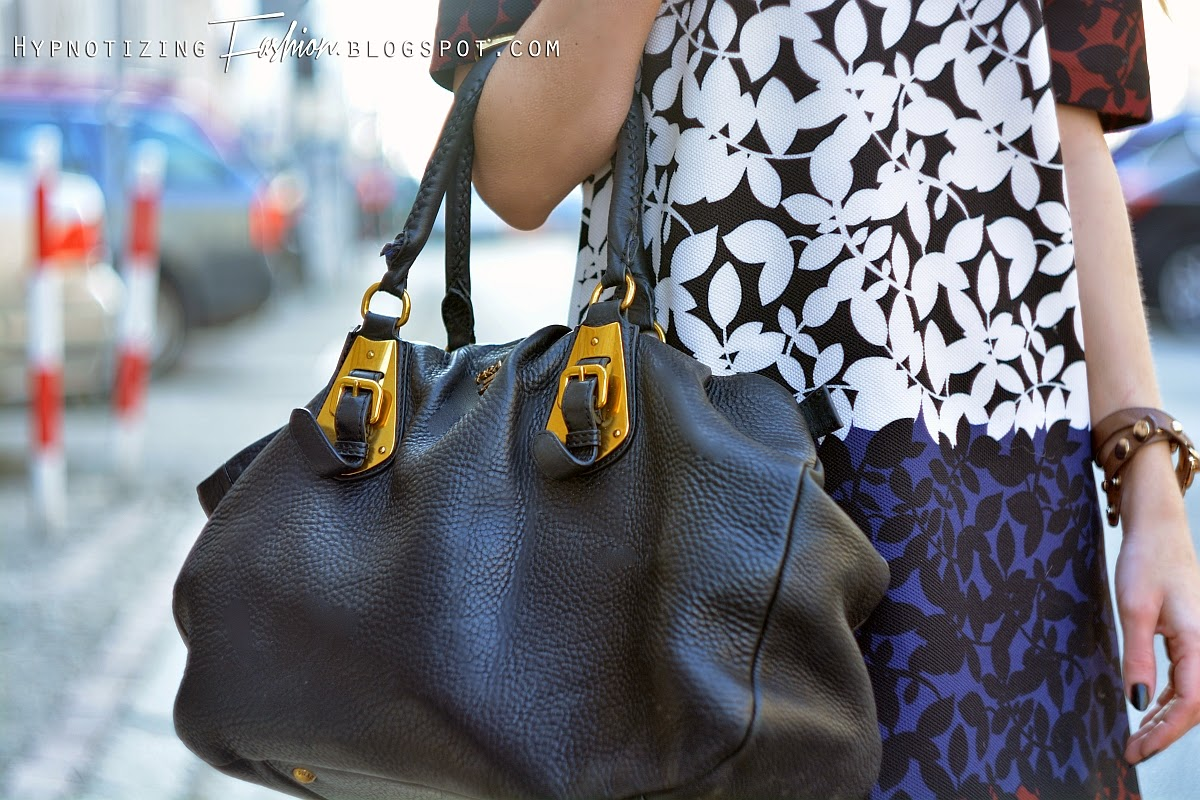 street fashion prada handbag