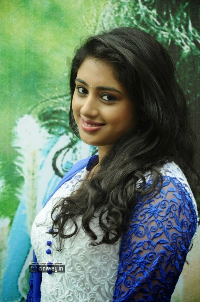 Kadhal-Paiththiyam-Actress-Jeevika-Iyer-Stills-at-Movie-Launch