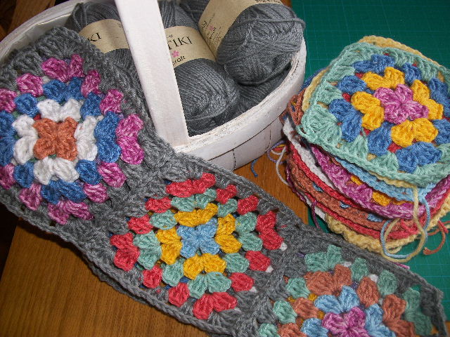 ... time I've wanted to crochet a blanket for my bed, just a simple granny.
