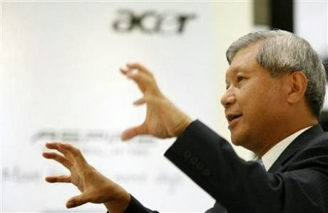 Fourth largest PC maker, Acer accumulated losses. After publishing the results of the third quarter made ​​a turnover down 11.8% and a net loss of 442.19 million dollars, Acer has announced the resignation of CEO J. T. Wang. This will be replaced by President Jim Wong in January. This will complete the reorganization and termination of 7% of the workforce.