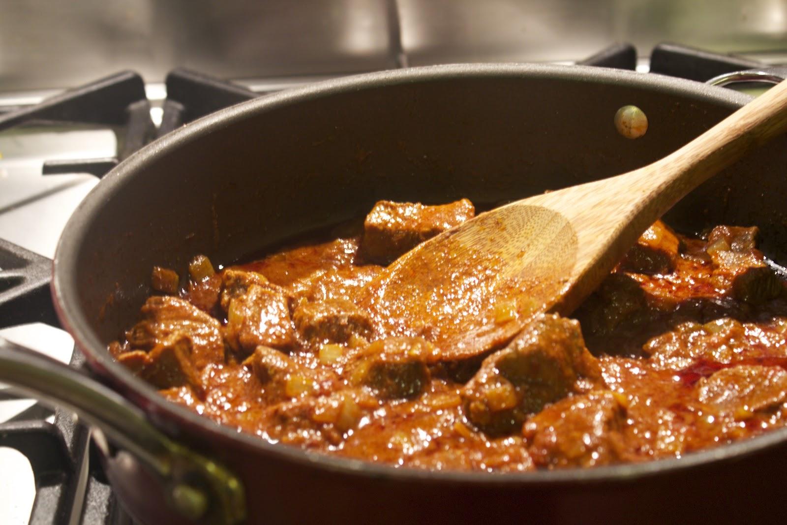 how to make vindaloo curry paste