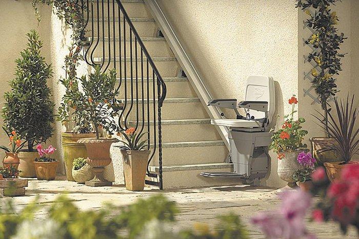test pour vous le cobaye conso test monte escaliers stannah pour une parfaite autonomie. Black Bedroom Furniture Sets. Home Design Ideas