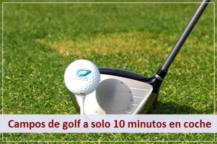 Podrá disfrutar de los maravillosos campos de golf de la Axarquía