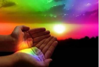 imagen de manos y colores