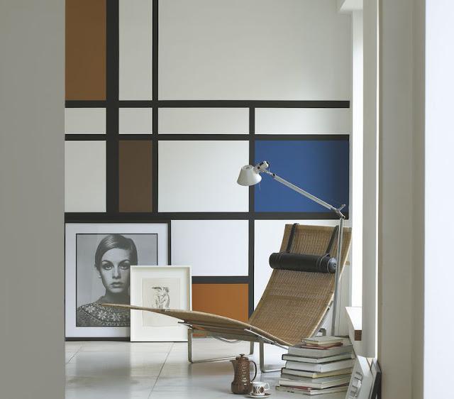 Günstiges Design mit Farbe zum Selbermachen: simples Gemälde als Wanddekoration – der Blickfang im Flur und Treppenhaus